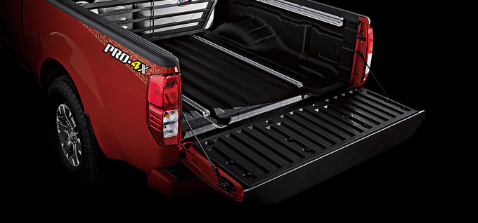 Locking Tailgate and Cargo Bed Light