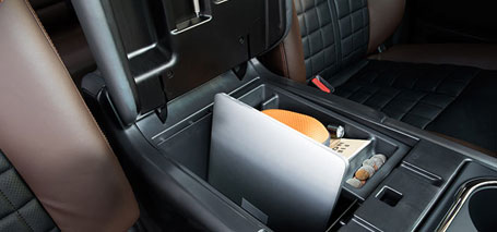 Deep Center Consol With Laptop Storage